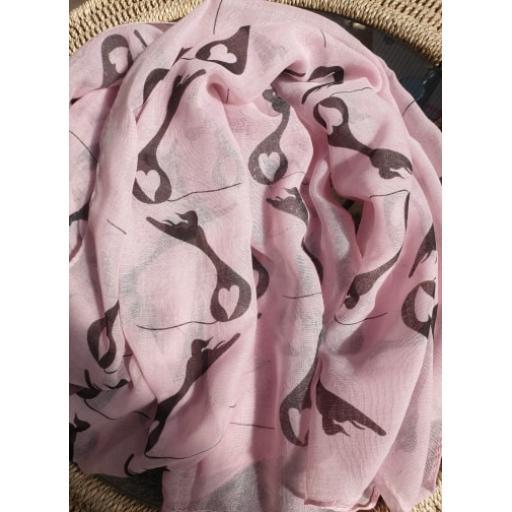pink heart scarf.jpg